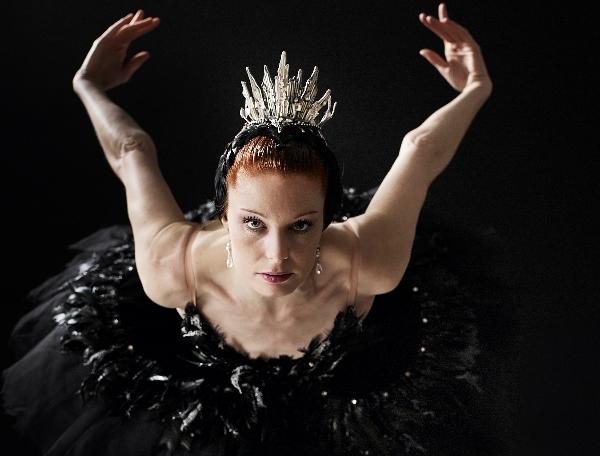 Ballet-Ireland-Jane-Magan-Swan-Lake-Photo-Ros-Kavanagh