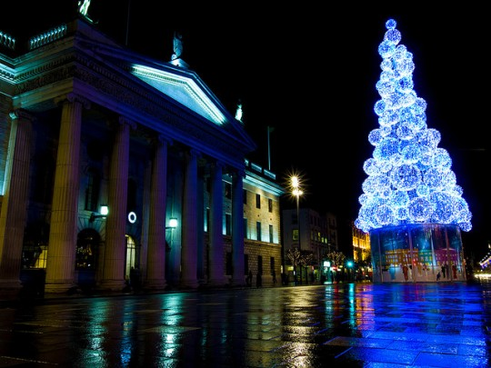 Christmas-Tree-on-OConnell-Street-e1353355850117