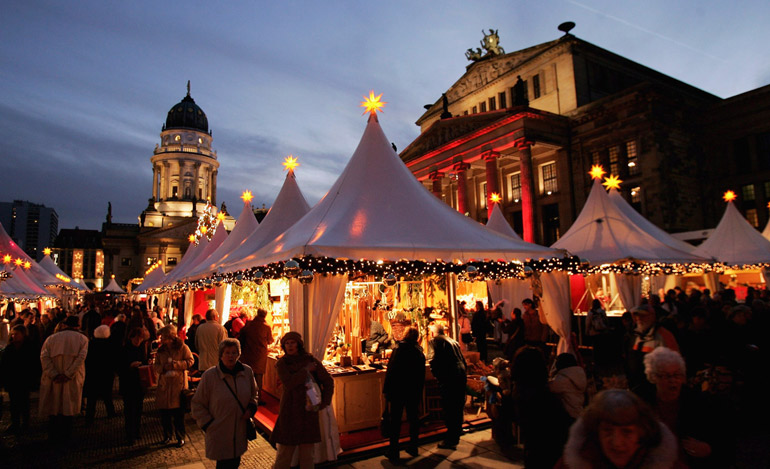 i-believe-christmas-market-custom-quay