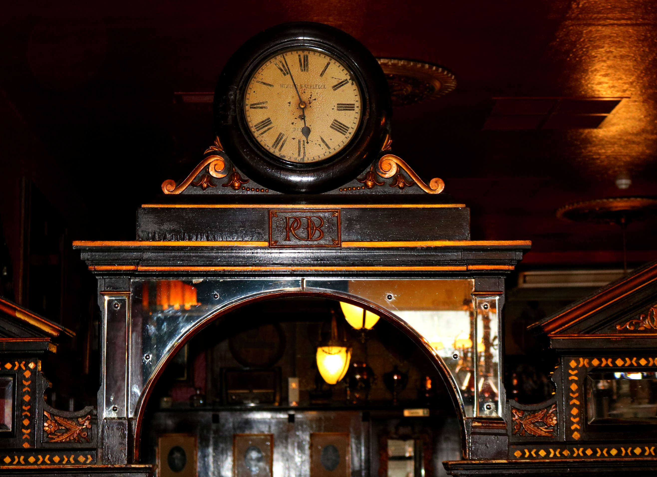 Longhall clock2