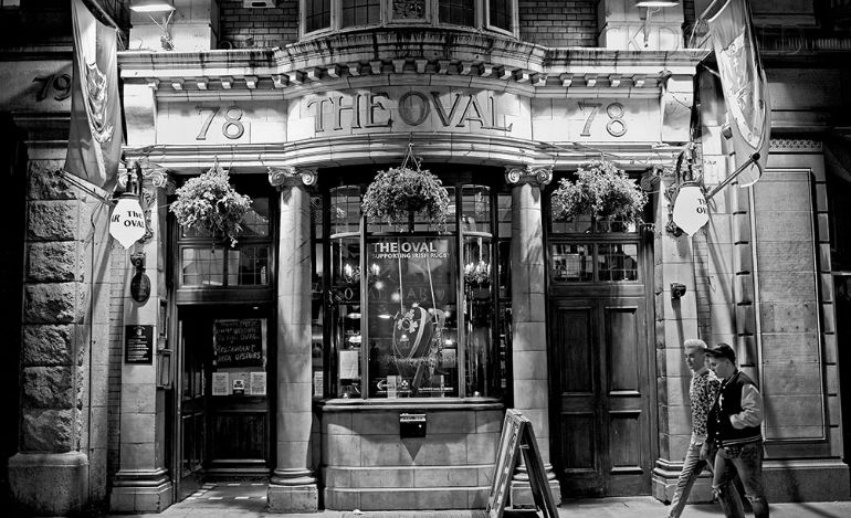 The oval bar middle abbey street