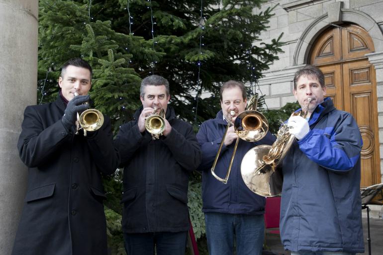 designer-dublin-christmas-market-brass-band-1